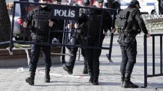 Turcia a demis 259 de oficiali locali acuzaţi de legături cu grupări teroriste