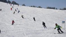 O nouă pârtie schi de 800 de metri va fi deschisă, în noiembrie, la Vârful lui Roman din România