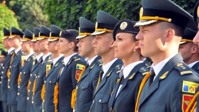 """Parlamentul a aprobat excluderea termenului de """"subofițer"""", dar și modificarea altor grade militare"""