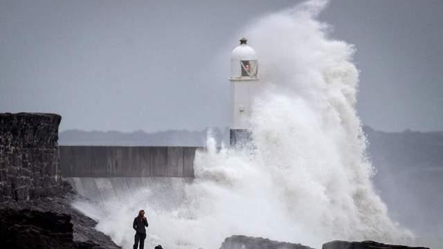 Furtuna Callum începe să se facă simţită în unele zone din Marea Britanie
