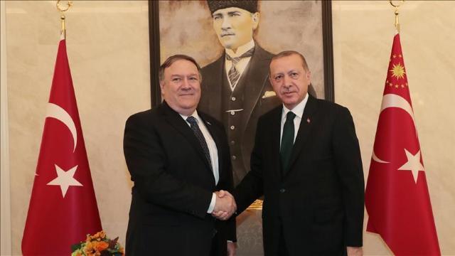 Recep Tayyip Erdogan s-a întâlnit în această dimineață cu Mike Pompeo. Discuțiile au avut loc la aeroportul din Ankara