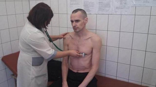 Moscova anunță că regizorul ucrainean Oleg Sențov a încetat greva foamei, după mai bine de 100 de zile