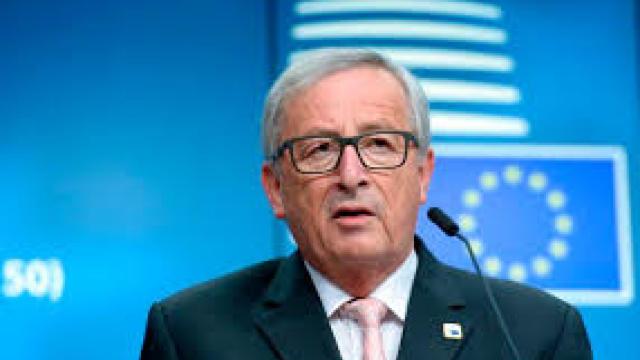 Preşedintele Comisiei Europene, Jean-Claude Juncker, lansează critici la adresa Italiei în legătură cu deficitul bugetar