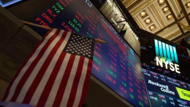 Cei mai bogați oameni ai lumii au pierdut 99 miliarde de dolari după extinderea turbulențelor de pe Wall Street (Bloomberg)