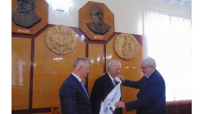 Un savant din România, originar din R.Moldova, a devenit Membru de Onoare al AȘM