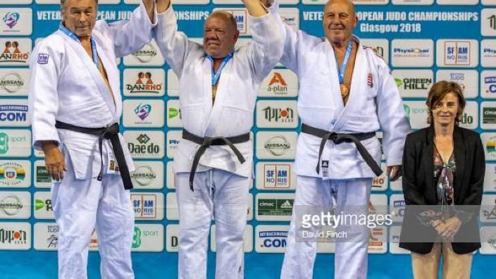 La 70 de ani, sportivul moldovean Mihail Malear a cucerit medalia de aur la Campionatul Mondial la judo