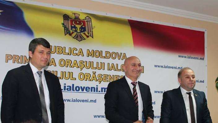 Ialovenii s-au înfrățit cu Filiași, județul Dolj, cu prilejul Centenarului Marii Uniri. 559 de avize de înfrățire, până la sfârșitul lui septembrie