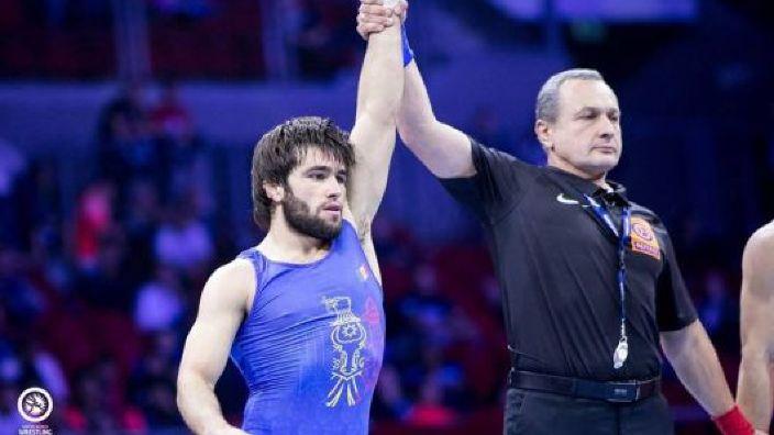 Luptătorul Victor Ciobanu a devenit vicecampion mondial, la Budapesta
