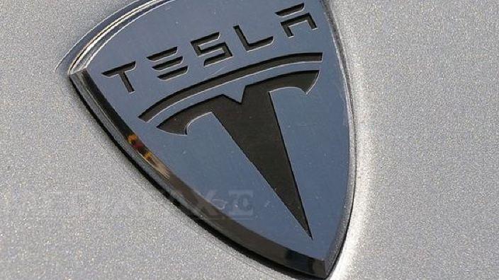 Tesla vrea să producă băuturi alcoolice. Care este marca pe care producătorul de automobile electrice vrea să o înregistreze