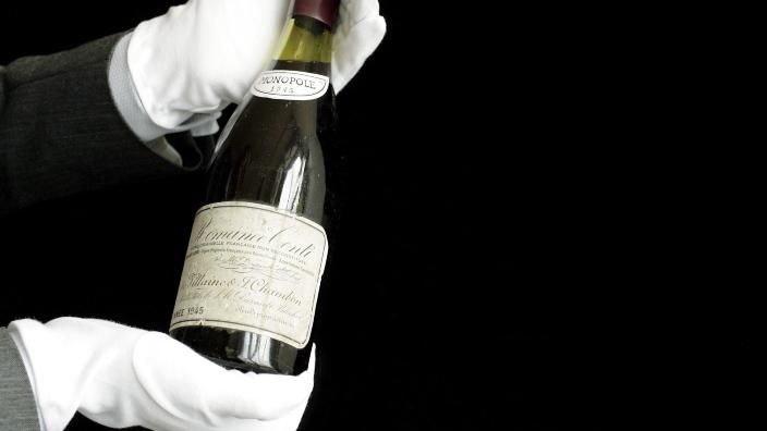 O suma fabuloasă, achitată pentru cea mai scumpă sticlă de vin