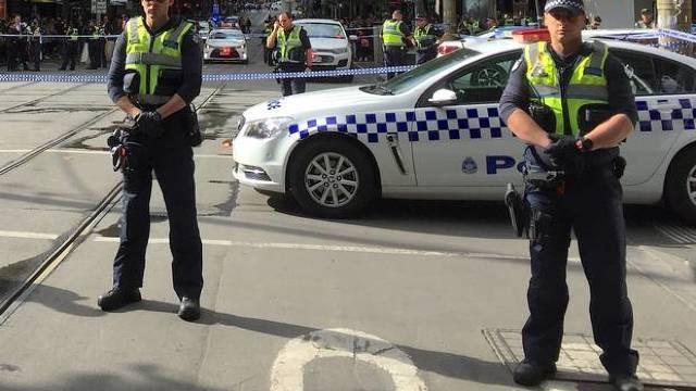 Australia | Un mort şi doi răniţi după un atac cu cuţitul în Melbourne