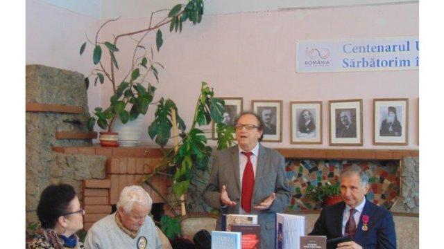 Scriitorii din R. Moldova au marcat Centenarul Marii Uniri