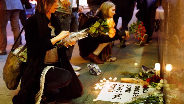 Trei ani de la atacurile teroriste de la Paris, soldate cu decesul a 130 de persoane