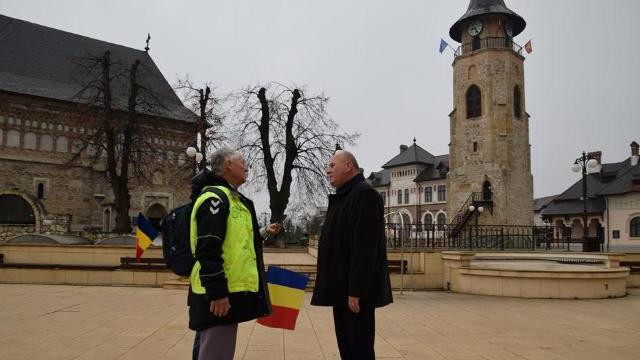 Maluri de Prut | Ion Mărgineanu, în drum pe jos spre Alba Iulia, ajunge sâmbătă la Lacul Roșu (FOTO/VIDEO)