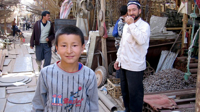 China îşi apără politicile aplicate în regiunea Xinjiang