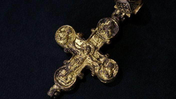 Arheologii bulgari au descoperit o cruce-relicvariu rară