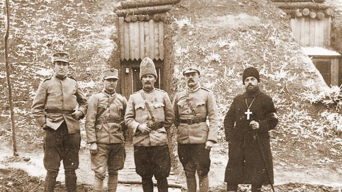 Preoţii militari – luptători cu arma cuvântului pentru România
