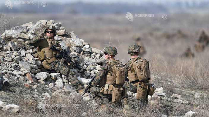Circa 1.800 de militari români şi din alte țări participă la exerciţiul multinaţional Scorpions Fury 18 din localitatea Cincu, România
