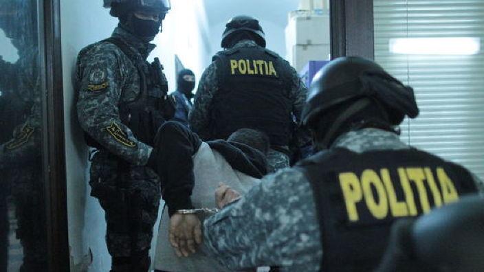 Percheziții la București după ce s-a depistat că 15.000 de cetățeni ai R.Moldova figurează cu domiciliul la 3 adrese