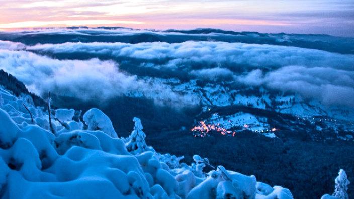 Staţiunea din România în care stratul de zăpadă este de peste 70 de centimetri