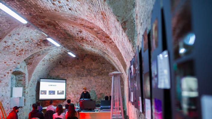 Activităţi artistice interactive la Alba Iulia, în cadrul unui festival la care participă tineri din România, Bulgaria şi R. Moldova