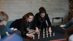 Pauza de cafea | Actrițele Inna Cebotari și Marcela Nistor au dezvăluit detalii din culisele primului spectacol pentru bebeluși jucat la Chișinău