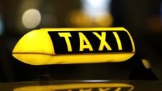 Fără aparat de taxare, fără plăcuțe de înmatriculare. Noi reglementări în transportul cu TAXI