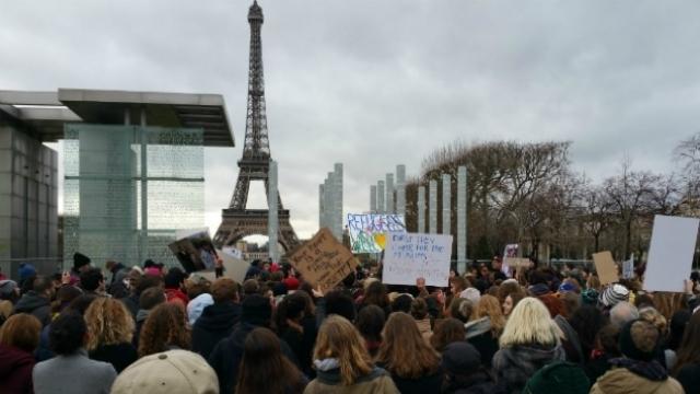 Autorităţile franceze sunt îngrijorate că un nou val de ''mari violenţe'' va fi dezlănţuit la Paris, la sfârşitul săptămânii