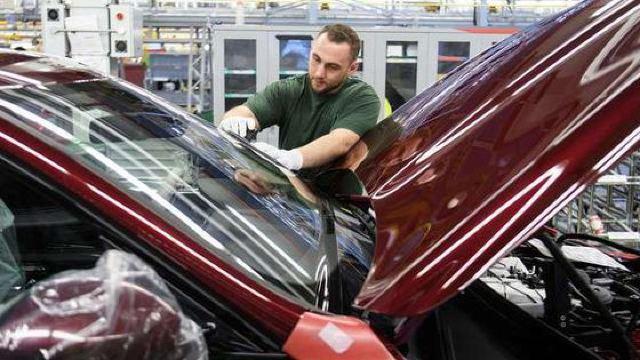 Încă un gigant AUTO ar putea închide fabrici şi reduce numărul locurilor de muncă