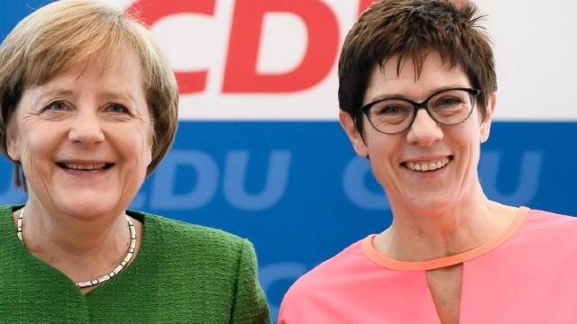 Annegret Kramp-Karrenbauer a fost aleasă la conducerea partidului CDU din Germania
