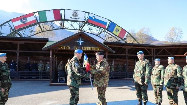 FOTO   Transfer de autoritate între contingentele Armatei Naţionale din operaţiunea KFOR