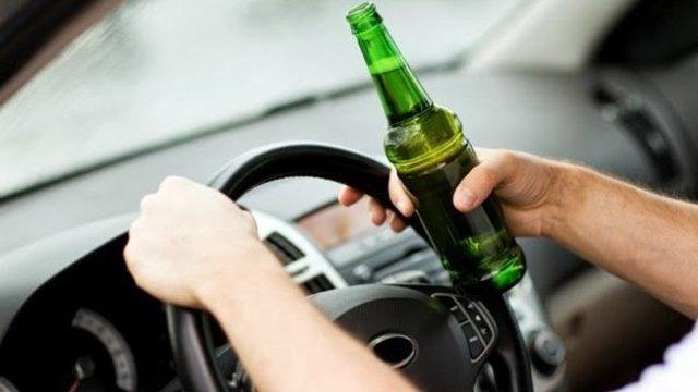 Intră în vigoare amendamentele la lege, prin care șoferii prinși băuți la volan vor fi pedepsiți mai aspru