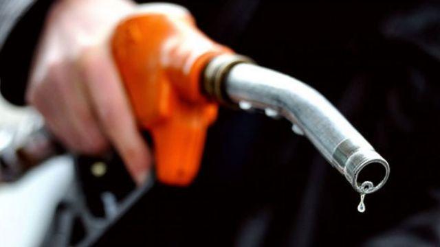 Scumpirea carburanților scoate oamenii în stradă. O acțiune de protest este anunțată pentru mâine