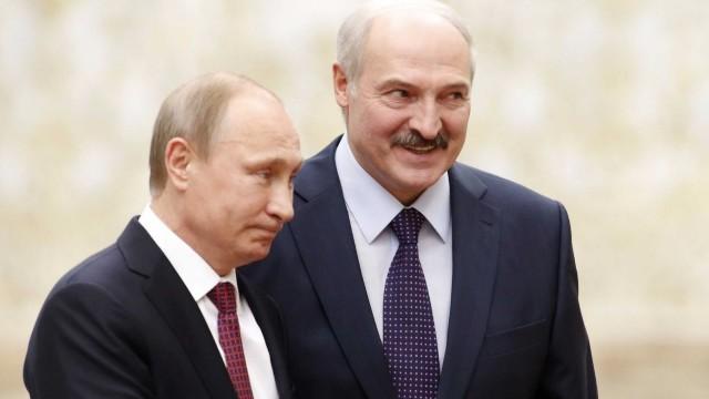 """Rusia trimite parașutiști în Belarus """"pentru exerciții militare comune în cadrul misiunii"""