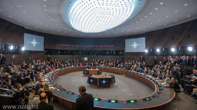 Miniștrii de externe din statele NATO vor discuta despre viitorul tratatului ruso-american privind armele nucleare