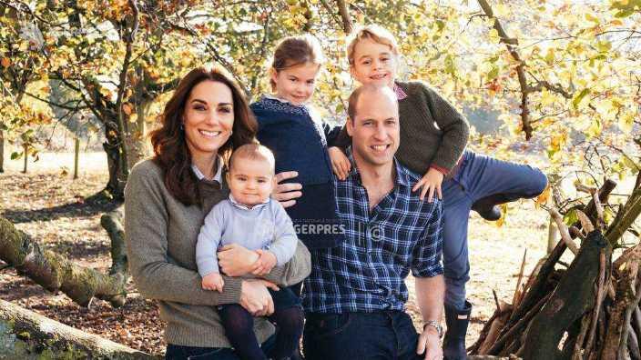 FOTO | Familia regală a publicat fotografiile pentru felicitările de Crăciun