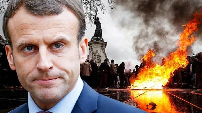 """Protestul """"vestelor galbene""""   Promisiunile președintelui francez Emmanuel Macron și întrunirea Guvernului de la Paris"""