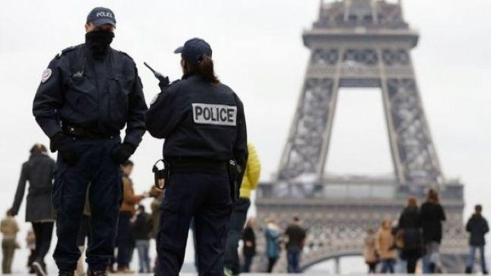 Franţa menţine starea de alertă de securitate