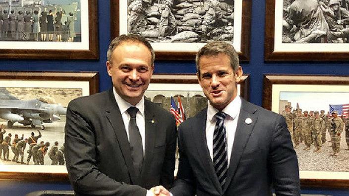 SUA vor susține R.Moldova în fața amenințărilor hibride, asigură congremesmenul Adam Kinzinger