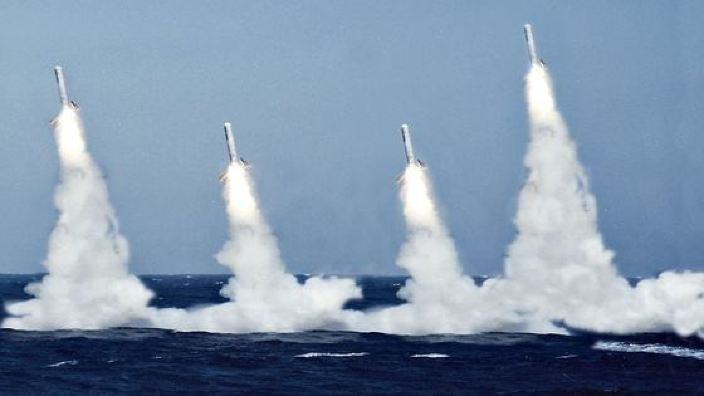 Tensiunile ruso-ucrainene   Navă militară rusă dotată cu rachete de croazieră Kalibr, trimisă în Crimeea