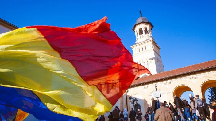 LIVE VIDEO   Paradă militară la Alba Iulia. Familia Regală și președintele Klaus Iohannis sărbătoresc Centenarul în Capitala Marii Uniri