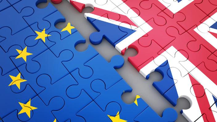 UE este 'gata să examineze' dacă Marii Britanii îi mai pot fi oferite garanţii suplimentare în legătură cu problema frontierei irlandeze