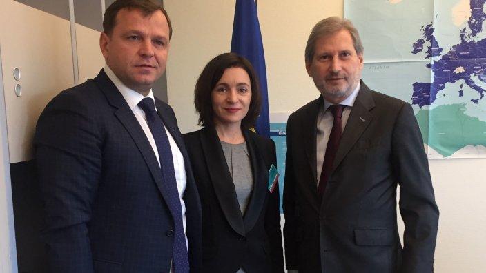 """Maia Sandu și Andrei Năstase au discutat cu Johannes Hahn. """"Am primit asigurări că UE va monitoriza îndeaproape procesul electoral din R.Moldova"""""""