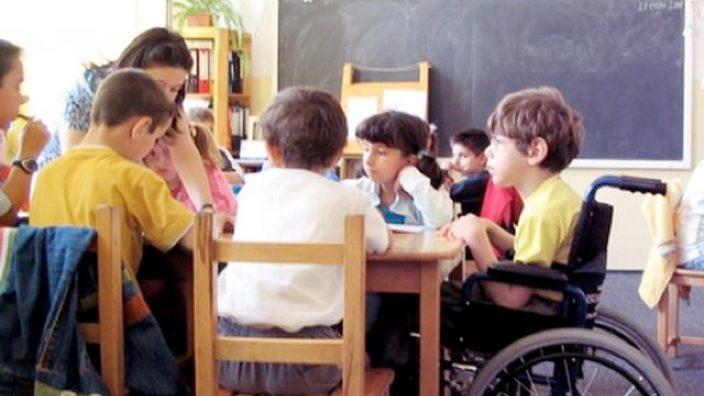 Peste zece mii de copii cu cerințe educaționale speciale frecventează școlile și grădinițele din R. Moldova