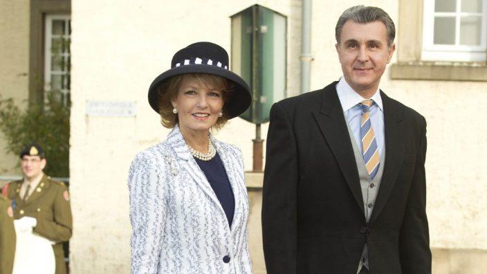Custodele Coroanei României  şi principele Radu întreprind o vizită în Regatul Unit al Marii Britanii