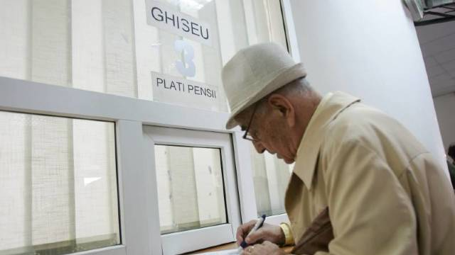 Începând de astăzi, pensiile sunt indexate cu 5,3%