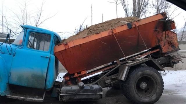 Circulație dificilă pe drumurile naționale, din cauza ghețușului. Poliția recomandă maximă atenție, după mai multe accidente