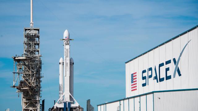 Compania lui Elon Musk anunță reduceri de personal de aproximativ 10%