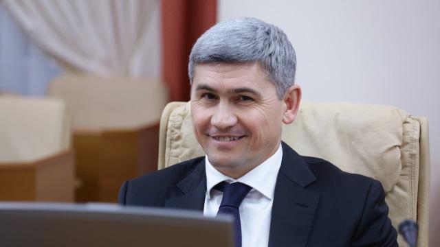 Contrar prevederilor legislației electorale, candidatul PD Alexandru Jizdan prezintă, ca ministru, tehnică pentru salvatori (FOTO/VIDEO)