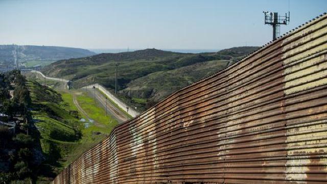 Cât ar dura construirea zidului la frontierea dintre SUA și Mexic și câr ar costa